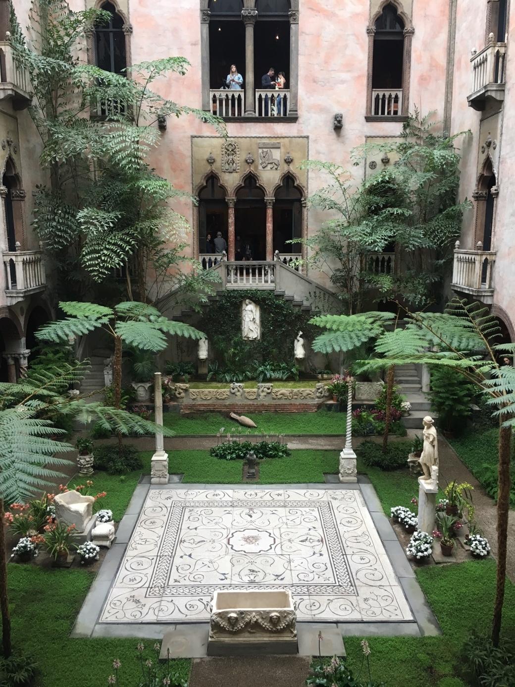 gardner-courtyard