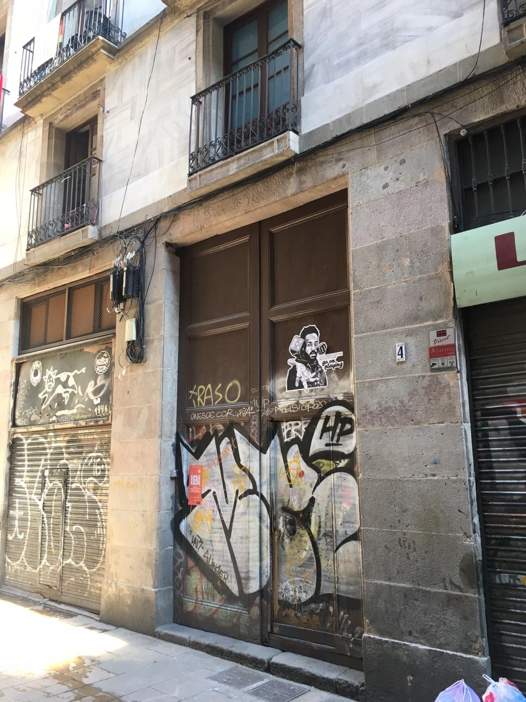Barca_DoorMid