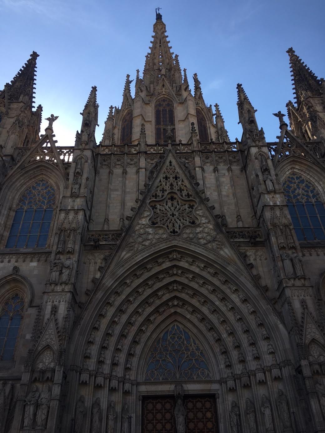 Barca_BarcelonaCathedral.jpg